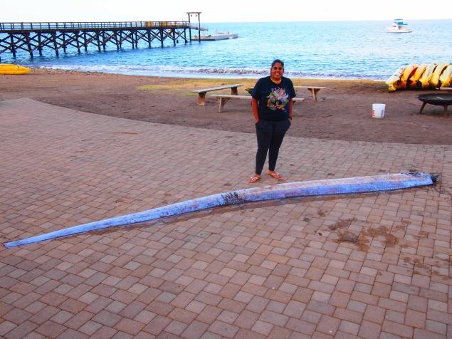 H 26χρονη Jasmine Santana με το ψάρι κουπί (oarfish)